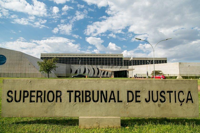 STJ afasta governador do Tocantins Mauro Carlesse (PSL)